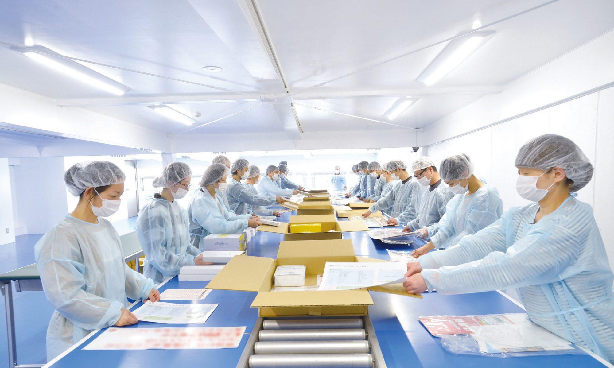 巧美堂印刷㈱KBクラフト事業部          手作業のプロフェッショナル